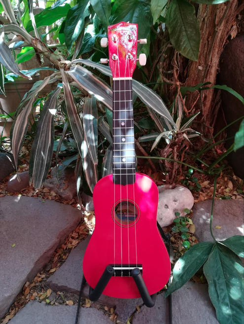 Ukulele Soprano Diamond Head Color Cereza