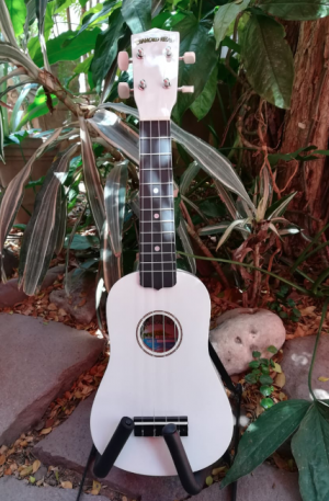Ukulele Soprano Diamond Head Color Blanco