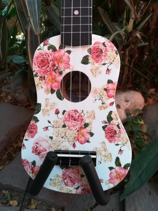Ukulele Soprano Diamond Head Floral