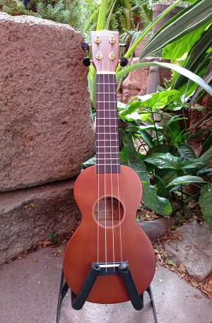 Ukulele Soprano Mahalo Learn To Play - Cafe