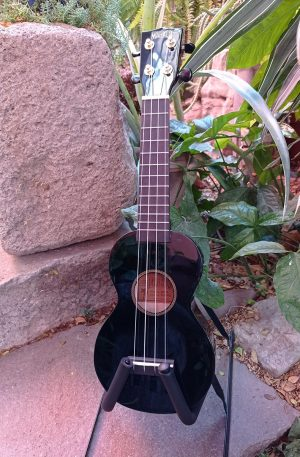 Ukulele Soprano Mahalo Learn To Play - Negro