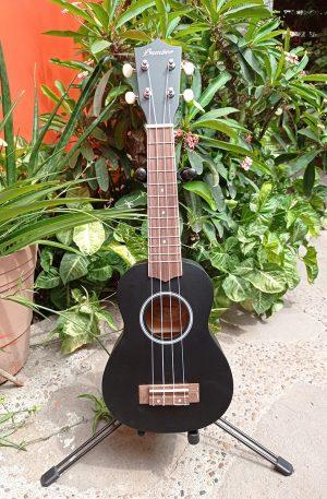 Ukulele Soprano Bamboo Negro Mate