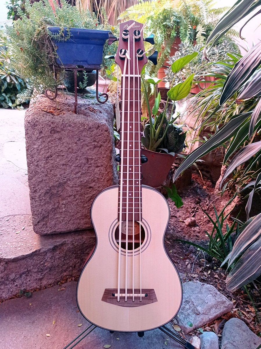 Uke Bass Bamboo